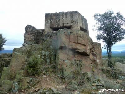 Casa del Bosque,Fortines Buitrago de Lozoya; atazar mochila de acampar sendero vertical